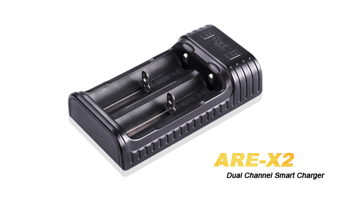 Fenix ARE-X2 Zweischacht-Ladegerät für 10440, 14500, 18650, 26650