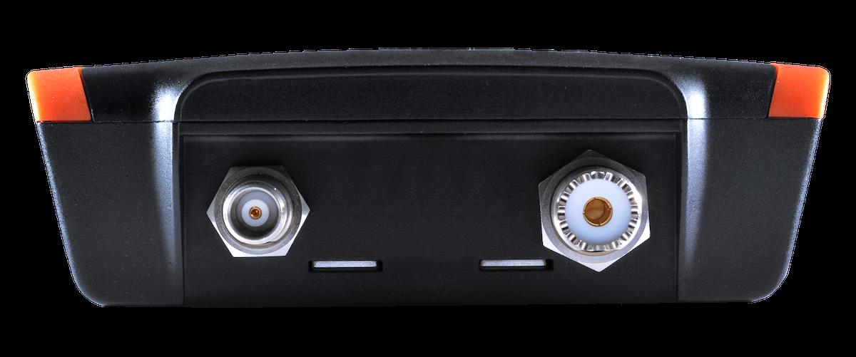 em-trak B952 AIS Transceiver Klasse B - SOTDMA WiFi Bluetooth